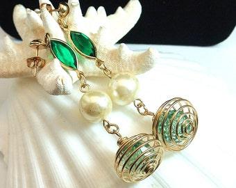 Vintage Green Pearl Gold Tone Dangle Earrings, 1980 Funky Earrings, Gold Tone  Cage Bead Earrings, Costume Jewelry