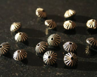Set of 80 acrylic beads. (ref:2478).