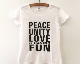 Peace & Love Women's Fitted T-shirt - White