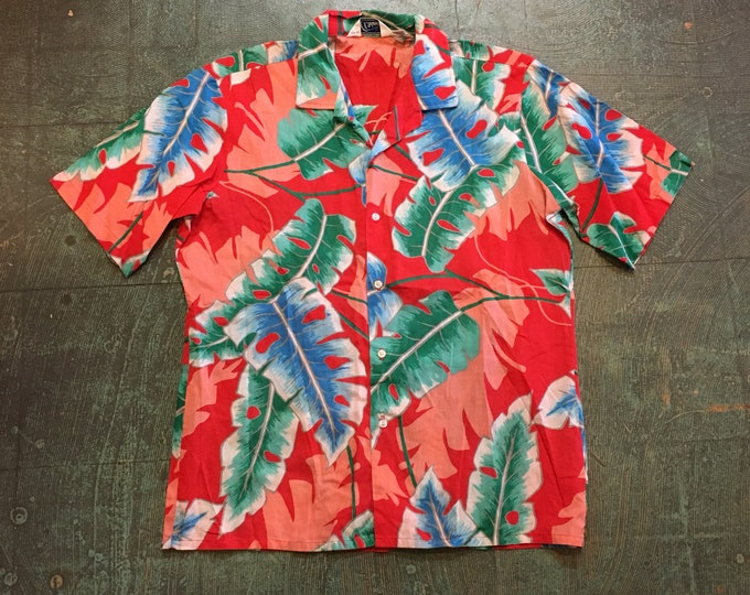Featured listing image: Vintage Hawaiian short sleeve button up by Islander // size medium // beach party retro mod boho hippie //70s 80s