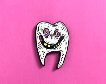 HAPPY TOOF enamel tooth pin