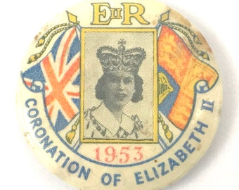 FREE POST - Vintage Commemorative, Mid Century, 1953 Coronation, Queen Elizabeth II, Vintage Badge, Queen Pin, Period Costume, Unique Pin