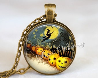 HALLOWEEN Necklace, Halloween Pendant, Pumpkin Necklace, Pumpkin Jewelry,  Witch, Jack O Lantern, Halloween Keychain, Vintage Halloween