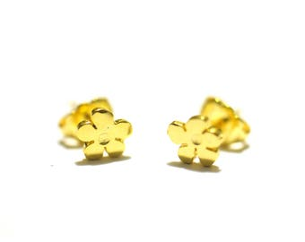 Beautiful small earrings Prunus flower gilded with fine gold