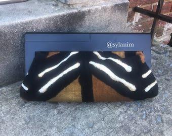 Mud cloth clutch/ mudcloth/African fabric clutch /kente bag/ ankara clutch/clutch Purse/ Wood frame/ankara fabric/wood clutch