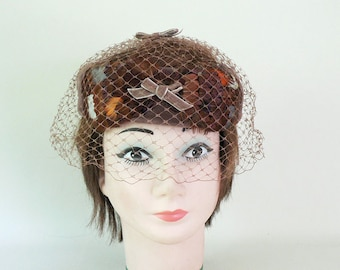 Womens Vintage 1950s Brown Feathered Fascinator Hat