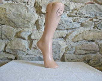 French mannequin leg - L'Empereur plaster display leg from the 1930s