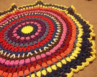 Circle Afghan Blanket, Round Throw, Heavy Blanket, Blue and Gold