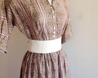 Vintage 1950s Cotton Novelty Print Day Dress Size Medium