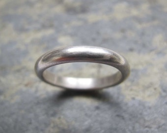 Men's D-shaped silver band ring - Men's D-shaped wedding band ring