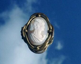 Victorian Cameo Brooch/Pin