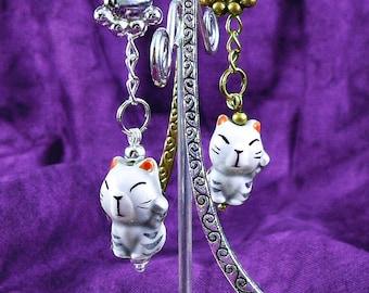 Porcelain Maneki Neko Lucky Cat Bead Bookmark Tibetan Silver or Bronze Paw Charm