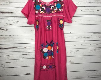 Ladies Pink authentic handmade Mexican dress SZ: M\L