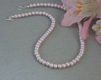 Lilac Glass Pearl Necklace    FREE SHIPPING