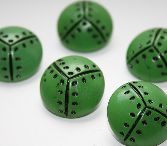 """5 vintage buttons size 1"""" (25mm) from the 1950s in bright green with black painted on dot pattern"""