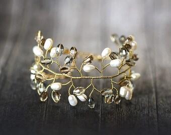 61_Gray crystal bracelet, Ivory pearl gold bracelet, Cuff wedding bracelet, Victorian jewellery, Freshwater pearl bracelets, Bridal jewelry