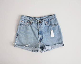Levis 512 cut off shorts | Levis denim shorts | light high waist denim shorts