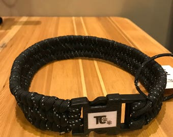 MEDIUM Reflective Black Trilobite Collar
