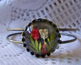Real Flower Jewelry, Adjustable Cuff bracelet with flowers, Pressed flower Cuff Bracelet, Antiqued gold, Spring Tulips