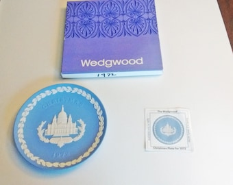 1972 Wedgwood Christmas Plate Blue and White Jasper ware St Paul's Cathedral in original box with documentation 4 in Series limited edition