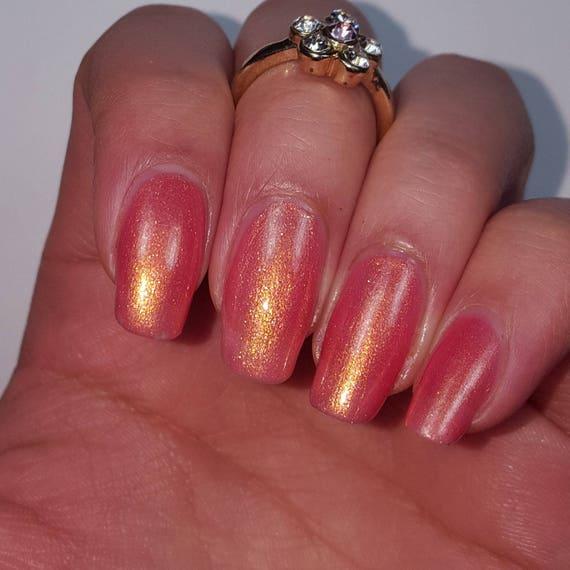 Esmalte de uñas con oro rosa con chispas de oro hecho a mano con ...