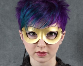 Incognito Leather mask in gold
