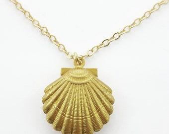 Retro Brass Seashell Necklace