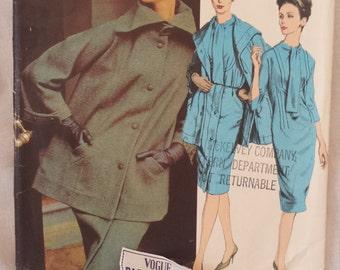 2697 Vintage Vogue  Paris Original Designer Gres Pattern size 16