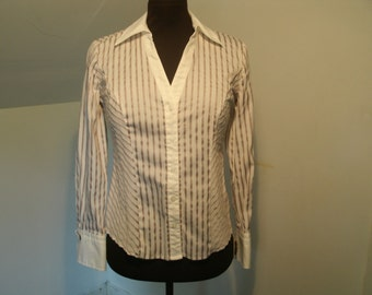 Alfani Shirt Cotton Spandex Cuff Detail V Neck Tailored Long Sleeve Striped Designer Petite Teen Blouse Top Women's Small US Size 2