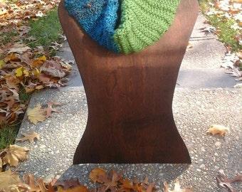 blue and green garter ridge cowl