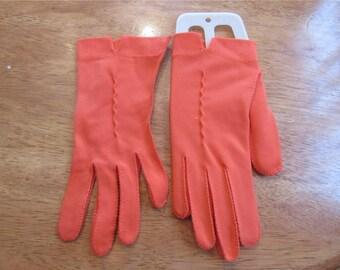 FREE SHIPPING in USA Vintage Tangerine/Orange Ladies Wrist Length Dress  Gloves      Size Small Medium  2409