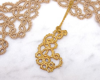 Lace Paisley Necklace gold