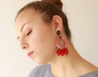Rote Ohrringe, Aussage Ohrringe, Textil und Perle-Creolen, trendige leicht und weich, Schmuck für sie, kostenloser Versand