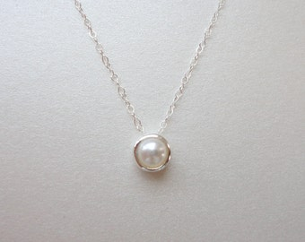 White pearl solitaire necklace, Wedding jewelry, Bridesmaid gift, Valentines day jewelry,  Simple everyday necklace