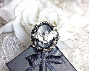 Halloween Witch Warlock  Wizard Bat Ring - adjutable silver gold skull Gotic Rockabilly