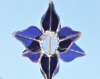 Purple Stained Glass Flower Suncatcher, 3D stained glass, Glass Flower Spinner, Grape waterglass, Ready to ship, Aussie Seller