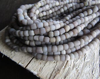lilac grey glass seed beads,  lilac purple seed beads, small rustic tube barrel spacer , New Indo-pacific 3 to 6mm ( 22 inch strd) 7ab29-26