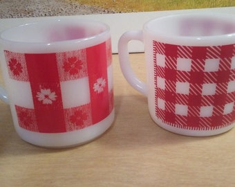 Lot of 2 Federal Glass cups mugs