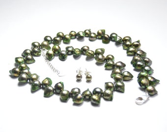 Green Pearl Necklacee - Pearl Necklace-Green Necklace-16-17.5 inches 8-11mm Green Freshwater Pearl Necklace - Free Matching Earring