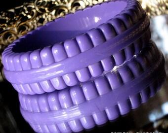 Bold Pop Art Vintage Lucite Bangle Purple Carved Bakelite Era Signed Runway Bracelet Chunky Ribbed Western Germany Violet Mad Men Modenist