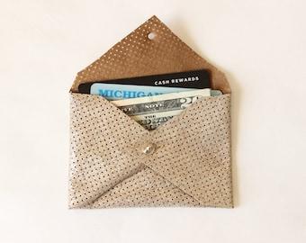 Issus de portefeuille Mini porte carte en cuir / perforé métallique