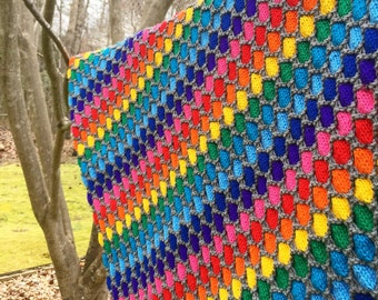 Rainbows and honeycombs blanket