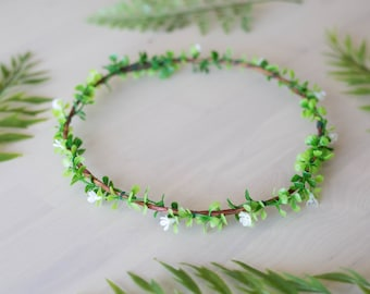 Greenery Flower Crown /  Green and White Headpiece / Floral Hair crown Wedding / Woodland Boho Wreath / Leaf circlet Hair Accessory
