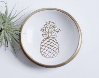 Pineapple Ring Dish  / Personalized Jewelry Dish / Wedding Ring Holder / Tropical Wedding Favor / Bridesmaids Gift / Bridal Shower