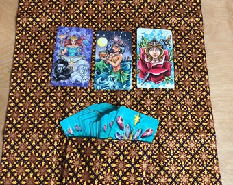 Tarot Deck travel pouch and mat- Olive Triangles and Sun Bursts