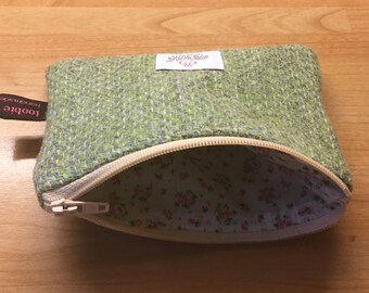 Harris Tweed green herringbone coin purse, zipped coin pouch, change purse, scottish gift, friend gift