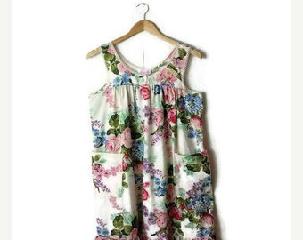 ON SALE Vintage White x  Floral Sleeveless Sun Dress/Casual dress from 90's*