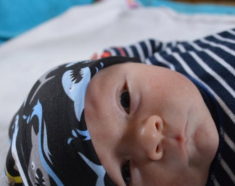 baby boys shark and surf beanie hat 0-3 months 62 cms
