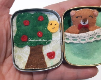 bear tin box- hand made felt