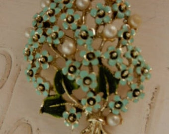 Vintage Green and Gold Flower Bouquet Brooch